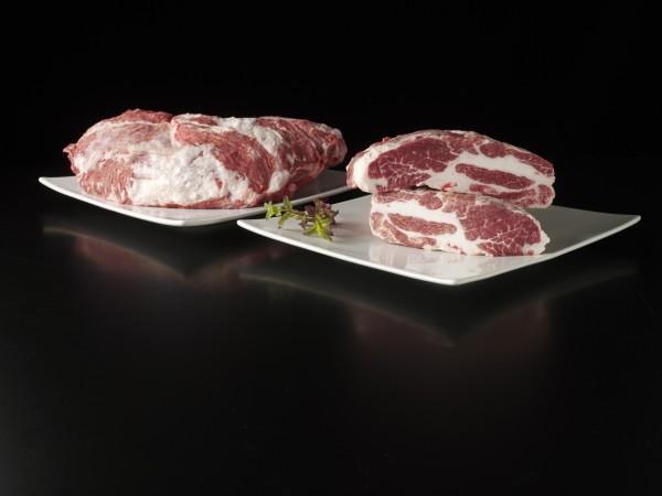 """Iberischer, frischer Schweinenacken mit Presa """"Aguja Ibérica entera-Cabecero con presa"""" ca. 1,5-1,7k"""